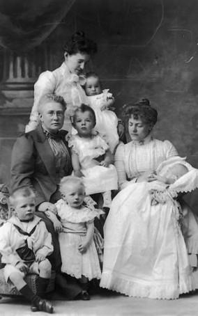 Wera mit Toechter und Enkel